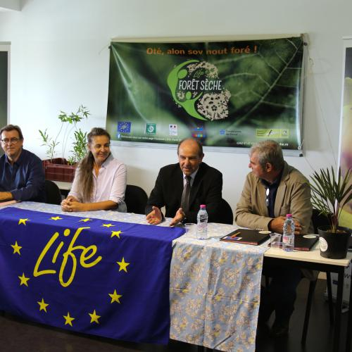 Signature de la convention entre le Centre Pénitentiaire de Domenjod et le Parc national de La Réunion
